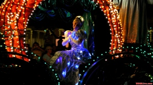 cinderella-main-street-electrical-parade-1-9