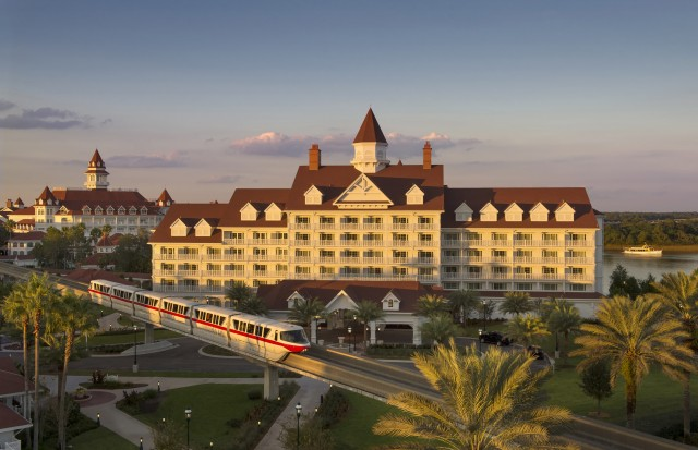 BOOK NARCOOSEE'S WATERFRONT BRUNCH FOR YOUR CLIENTS AT WALT DISNEY WORLDRESORT!